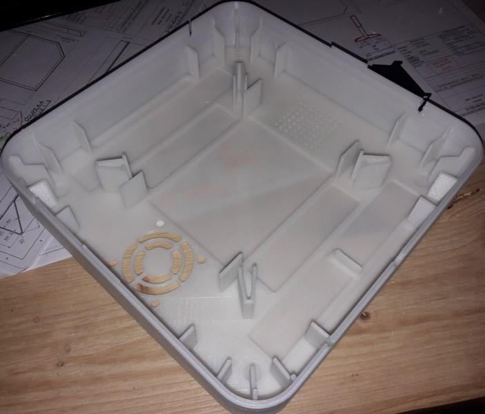 Photo d'un boitier spécial prototype imprimé par impression 3D