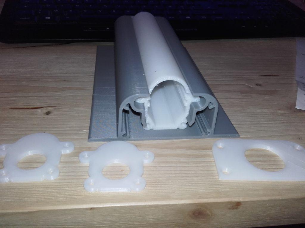 Photo d'un profil spécial prototype imprimé par impression 3D