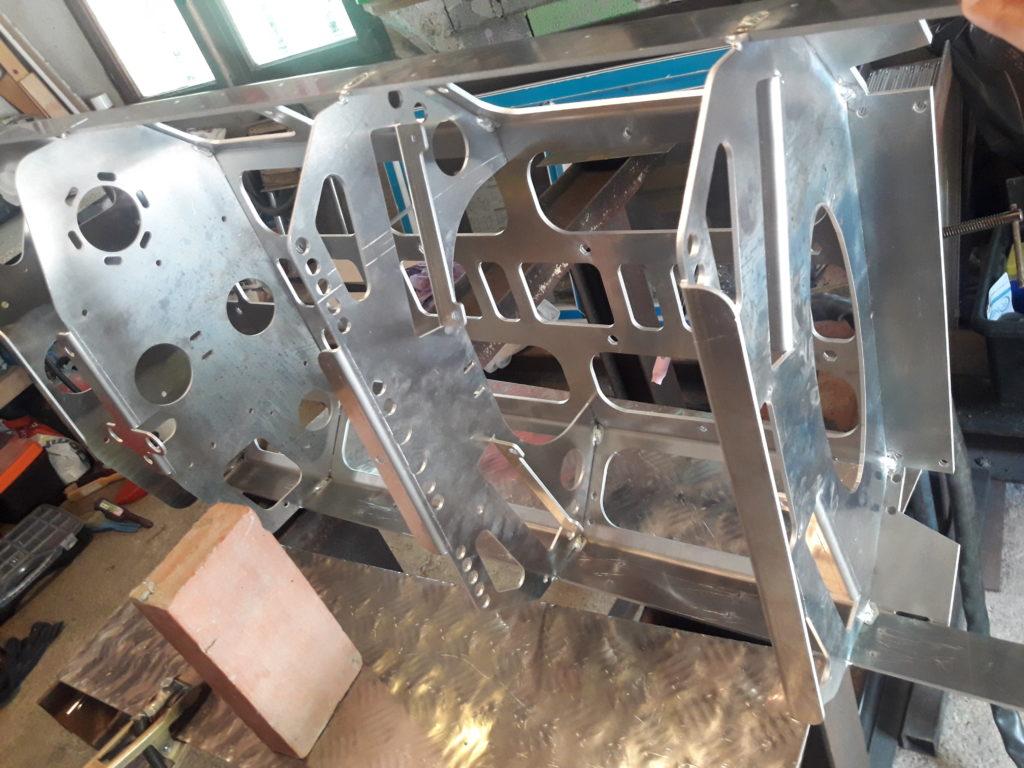 Photo d'un chassis de robot en tolerie aluminium